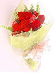 9 adet kirmizi gül buketi  Malatya çiçek servisi , çiçekçi adresleri