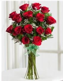 Cam vazo içerisinde 11 kırmızı gül vazosu  Malatya yurtiçi ve yurtdışı çiçek siparişi