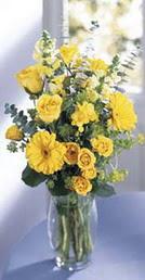 Malatya çiçek online çiçek siparişi  sari güller ve gerbera cam yada mika vazo