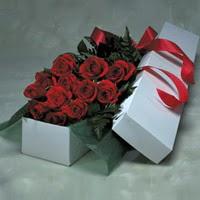 Malatya çiçek online çiçek siparişi  11 adet gülden kutu