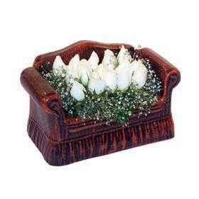 seramik içerisinde 11 gül  Malatya online çiçek gönderme sipariş