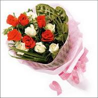 5 kirmizi 5 beyaz güllerden   Malatya çiçek online çiçek siparişi