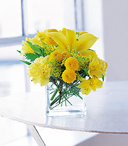 Malatya çiçek siparişi vermek  sarinin sihri cam içinde görsel sade çiçekler
