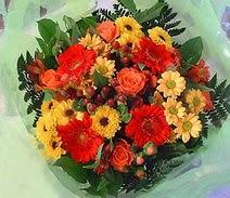 Malatya çiçek siparişi vermek  sade hos orta boy karisik demet çiçek