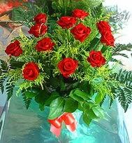 12 adet gül buketi  Malatya yurtiçi ve yurtdışı çiçek siparişi