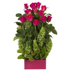 12 adet kirmizi gül aranjmani  Malatya çiçek gönderme sitemiz güvenlidir
