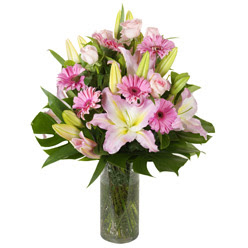vazo içerisinde karisik mevsim çiçekleri  Malatya anneler günü çiçek yolla