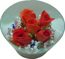 Malatya güvenli kaliteli hızlı çiçek  5 adet gül ve cam tanzimde çiçekler