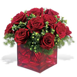 Malatya çiçekçi mağazası  9 adet kirmizi gül cam yada mika vazoda