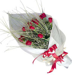 Malatya çiçekçi telefonları  11 adet kirmizi gül buket- Her gönderim için ideal