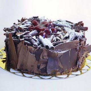 pasta yolla 4 ile 6 kisilik visneli çikolatali yas pasta  Malatya cicekciler , cicek siparisi