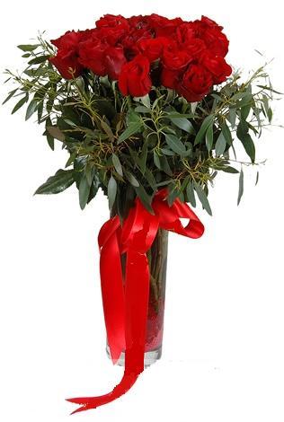 15 adet kirmizi gül cam vazo içerisinde  Malatya uluslararası çiçek gönderme