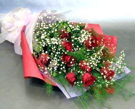 10 adet kirmizi gül çiçegi gönder  Malatya yurtiçi ve yurtdışı çiçek siparişi
