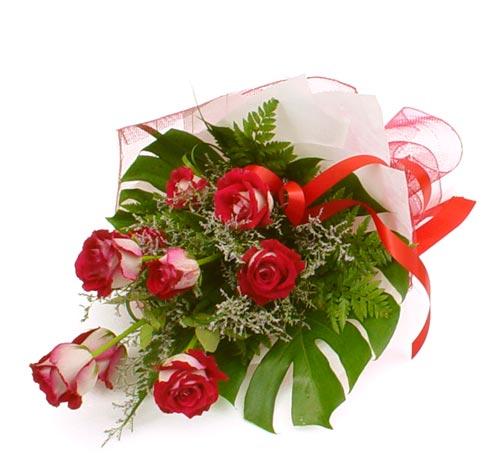 çiçek gönder 7 adet kirmizi gül buketi  Malatya çiçek yolla