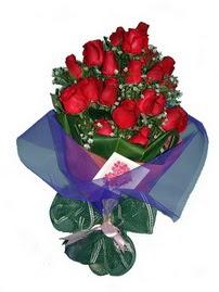 12 adet kirmizi gül buketi  Malatya çiçek online çiçek siparişi