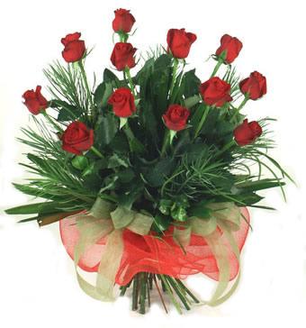 Çiçek yolla 12 adet kirmizi gül buketi  Malatya çiçek gönderme