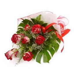 Çiçek gönder 9 adet kirmizi gül buketi  Malatya hediye sevgilime hediye çiçek