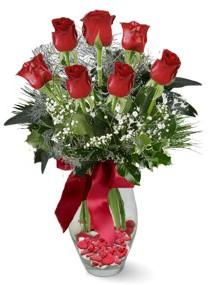 7 adet vazoda gül  Malatya uluslararası çiçek gönderme  kirmizi gül