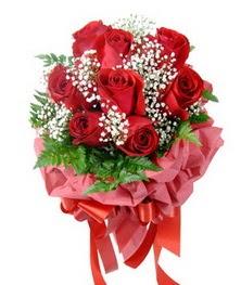 9 adet en kaliteli gülden kirmizi buket  Malatya İnternetten çiçek siparişi