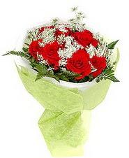 Malatya internetten çiçek siparişi  7 adet kirmizi gül buketi tanzimi
