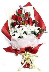 Malatya online çiçek gönderme sipariş  9 adet gül 2 adet kazablanka buketi