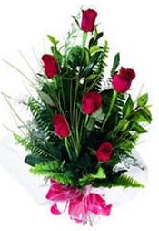 Malatya çiçek gönderme  5 adet kirmizi gül buketi hediye ürünü