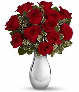 Malatya hediye sevgilime hediye çiçek   vazo içerisinde 11 adet kırmızı gül tanzimi