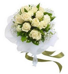 Malatya çiçek satışı  11 adet benbeyaz güllerden buket