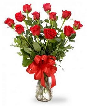 Malatya internetten çiçek siparişi  12 adet kırmızı güllerden vazo tanzimi