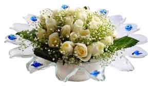Malatya çiçek yolla , çiçek gönder , çiçekçi   11 adet Beyaz güller özel cam tanzim