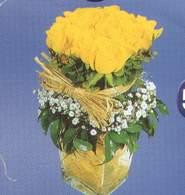 Malatya yurtiçi ve yurtdışı çiçek siparişi  Cam vazoda 9 Sari gül