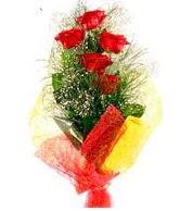 5 li kırmızı gül buketi  Malatya uluslararası çiçek gönderme