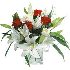 vazo içerisinde 4 gül 1 adet kazablanka  Malatya çiçek online çiçek siparişi
