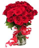 21 adet vazo içerisinde kırmızı gül  Malatya çiçekçiler