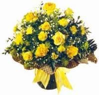 Malatya internetten çiçek siparişi  Sari gül karanfil ve kir çiçekleri