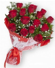 11 kırmızı gülden buket  Malatya çiçek gönderme