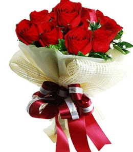 9 adet kırmızı gülden buket tanzimi  Malatya hediye çiçek yolla