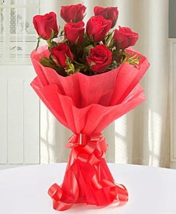 9 adet kırmızı gülden modern buket  Malatya ucuz çiçek gönder