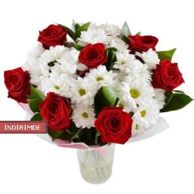 7 kırmızı gül ve 1 demet krizantem  Malatya hediye çiçek yolla